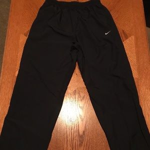 EUC Men's Nike Windbreaker Pants